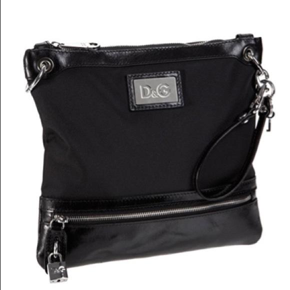 0fd84765a8ac Dolce   Gabbana Handbags - D G Dolce   Gabbana DM0191 E4663 Hip Crossbody